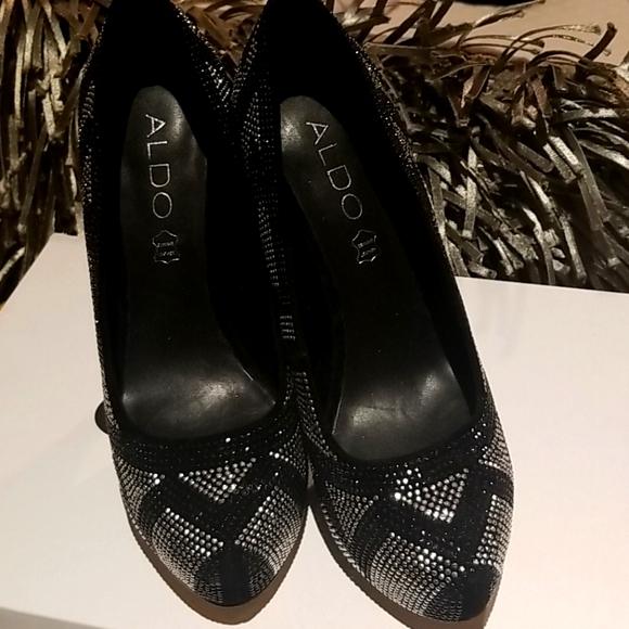 'Like New'  Platform style heels